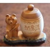 Бочонок для меда  с резным медведем на подставке 0,45л